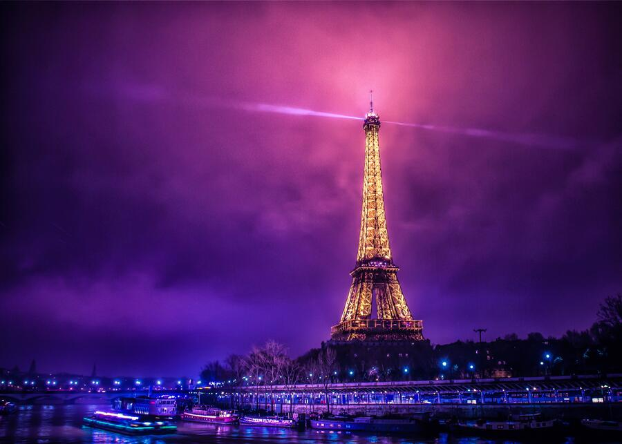 Twitter / zaibatsu: Foggy Paris by Mike Kremer ...