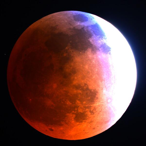 And here it is from Mt. Lemmon SkyCenter in Ariz. http://t.co/aHv7yj9zhh #LunarEclipse @SPACEdotcom http://t.co/MqhwRDrPij