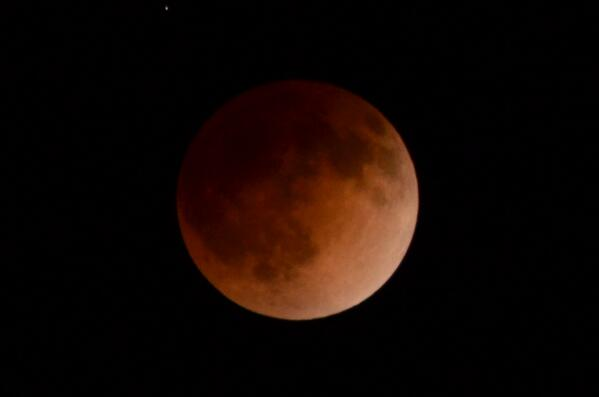 Taken from my balcony #bloodmoon http://t.co/Cuc3v2srS7