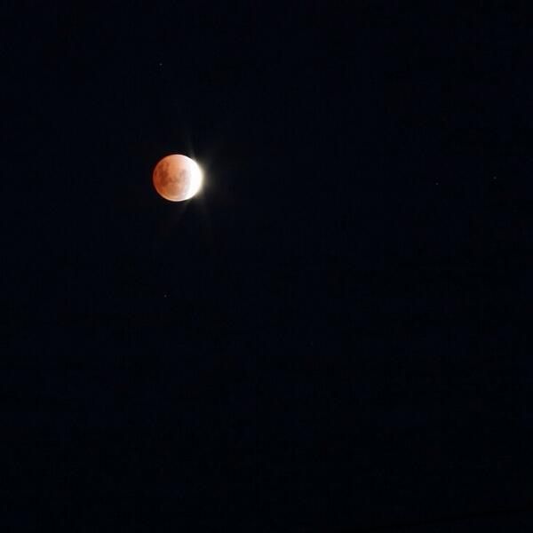 @abcnews #RedMoon #Beechworth http://t.co/JykpyqHn2O