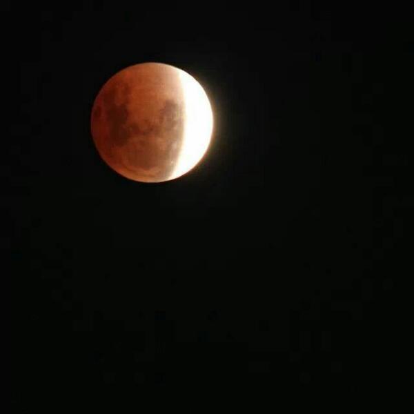 #LunarEclipse  @abcnews http://t.co/tsrrIdw7fG