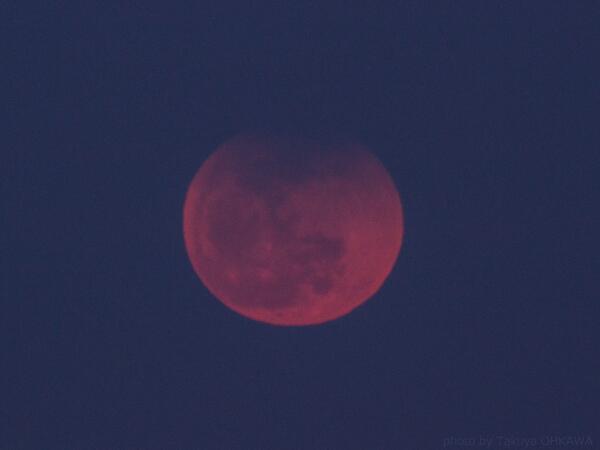 控え目な月出帯食は終わりました。10月8日はすばらしい皆既月食が見られますように! http://t.co/om7AHHAxeI