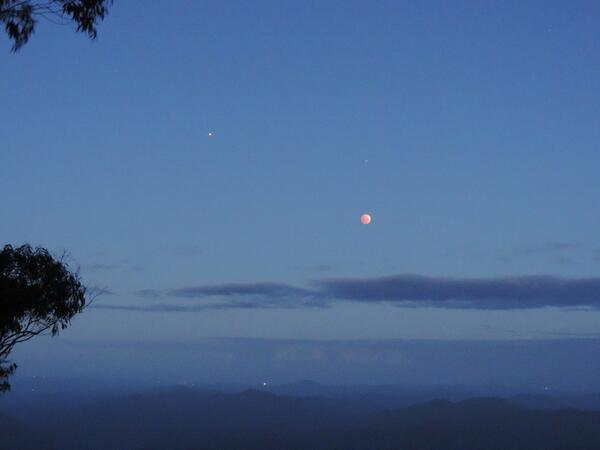 Lunar eclipse from New England national park @abcnews http://t.co/SXWMorSqZx
