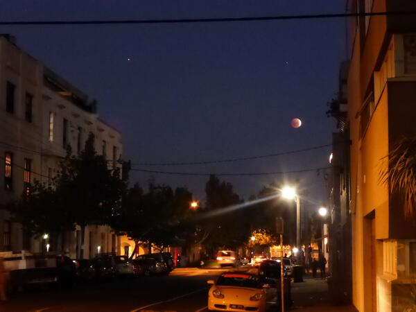 "I call this ""Local Melbourne Street with Eclipse"" #redmoodrising #earliertonight @abcnews #bloodmoon http://t.co/lWbOOwHeXK"