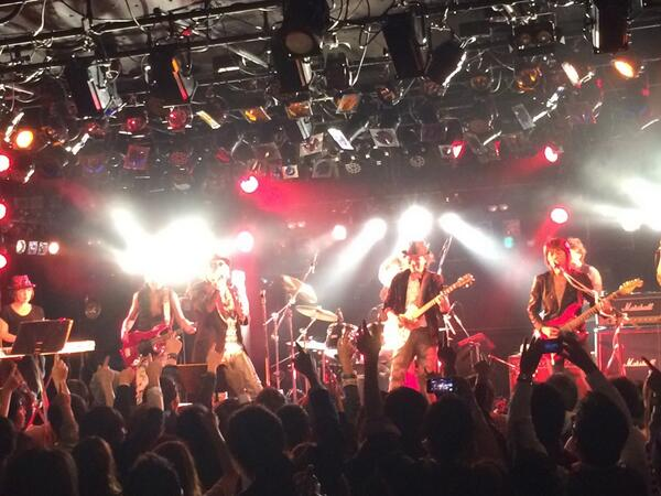 今日はたくさんの方と梅田クアトロのライブに行った。すごく楽しかった! http://t.co/ktVIkVPc9U