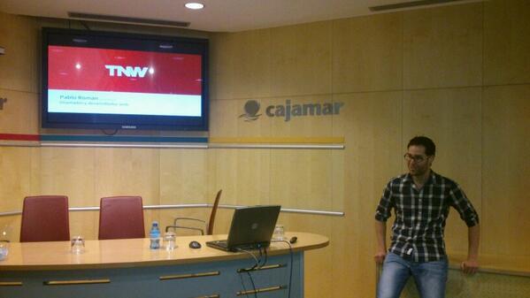 Empieza @betabeersALM en @Cajamar con @pabloroman que nos hablará de su experiencia en el desarrollo web. http://t.co/hXWxqSG9kb