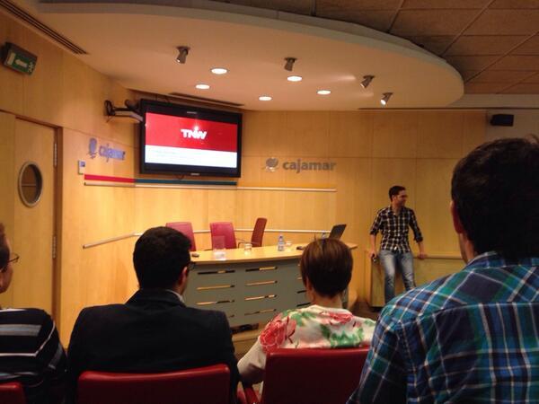 Empieza la charla de @pabloroman. El nivel de @betabeers no para de crecer. #fb http://t.co/96NbB7dPHe