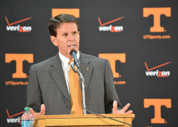 Updated w/ quotes from #Vols AD Dave Hart: Cuonzo Martin leaves Tennessee to take job at Cal http://t.co/vhDexEp675 http://t.co/FgYrBwd3Yj