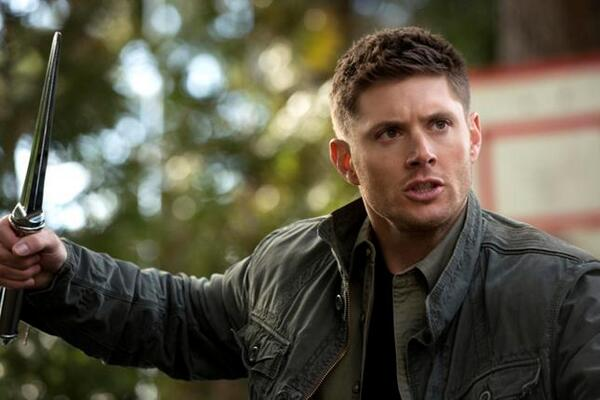 Retweet if you're pumped to see Dean fight Metatron on tonight's #Supernatural! Tonight's episode is FINALLY new! http://t.co/lhhp1xxfp3