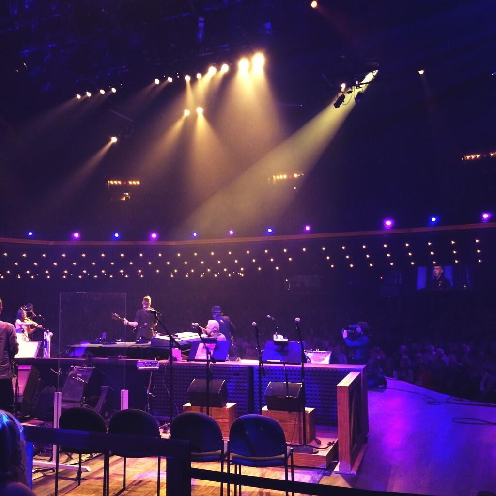Literally on stage at the Grand Ole Opry watching the brilliant @SamPalladio from TV's Nashville. He's a Brit! http://t.co/qmu79Acpn6