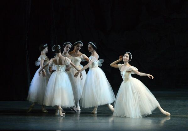 Fairies in Ashton's Dream amusing contrast to ethereal wraiths in Les Sylphides @ABTBallet @kencen (ph:G Schiavone) http://t.co/Io1ReodzQ2