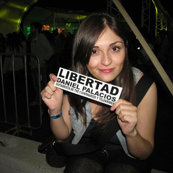 Urge la liberación de guitarrista de @telekrimen y @cavernarios #DanielPalaciosLibre http://t.co/GooDAuWBiW @article19mex @ManceraMiguelMX