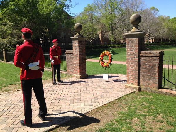 The William & Mary Queens' Guard watches over a memorial wreath for #VirginiaTech, #BostonMarathon tragedies http://t.co/GN3AIggZxX