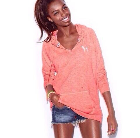 RT @Missalamodeuk: Leomie Anderson @LeLeValentine for @VictoriasSecret Pink! Yes we love it http://t.co/zCP2O60o93