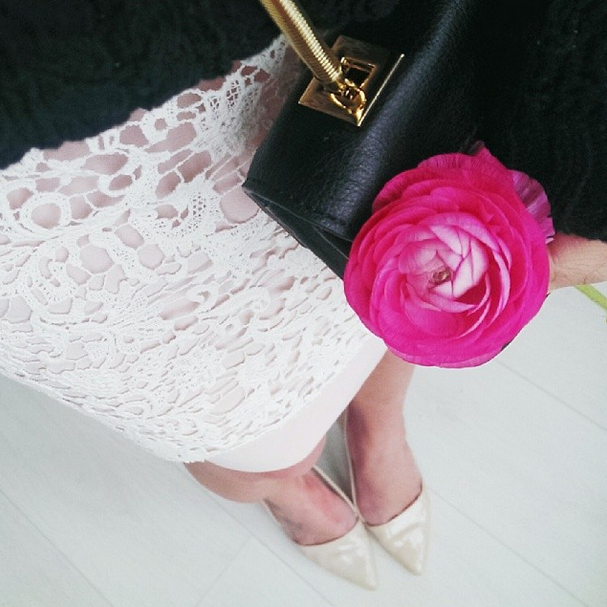 Spring lace w/ @thankfifi | Get the look: http://t.co/34LiXyFtkX #ootd http://t.co/hNQTg09pBp