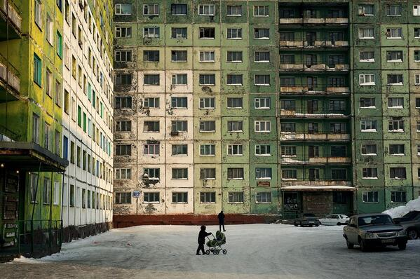PHOTO DISCOVERY OF THE MONTH: Russian daily life in the northernmost city of the world http://t.co/vhhwV13HqC  Pls RT http://t.co/dneRtVlVRe