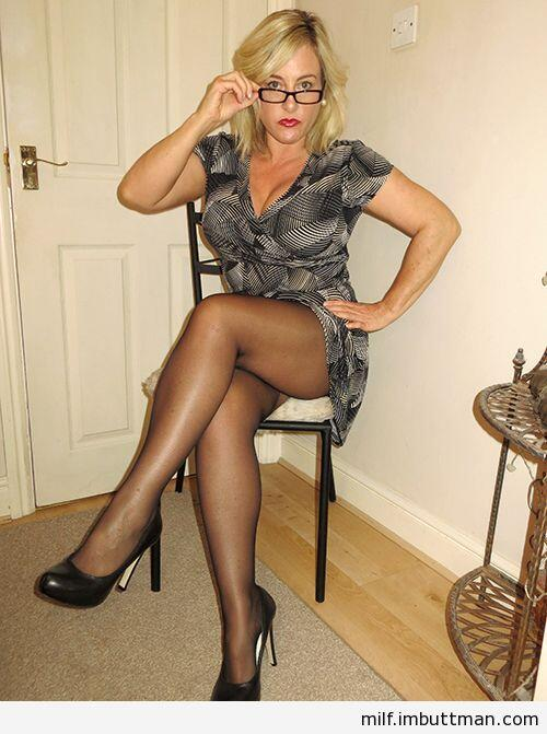 Fabulous body mature women in heels and pantyhose lucky