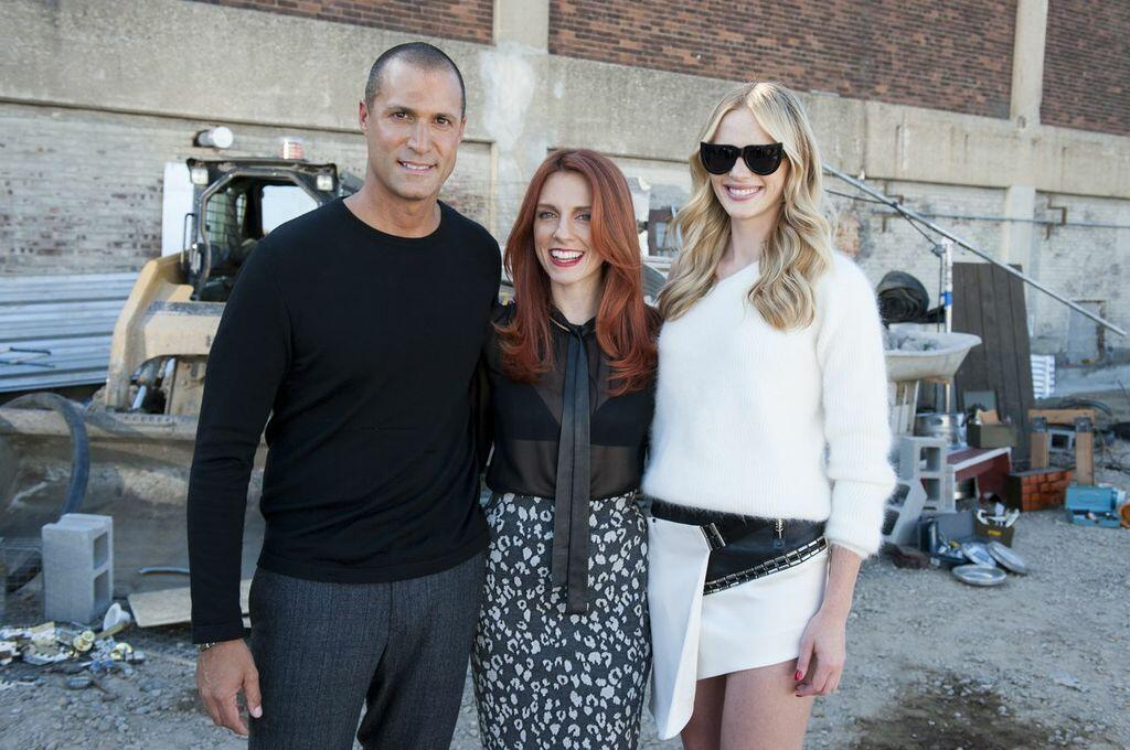 Tonight's episode of #TheFace is hot, hot, HOT! Tune in at 8/7c and show your love to #TeamAnneV! http://t.co/fMYlpIAL5O