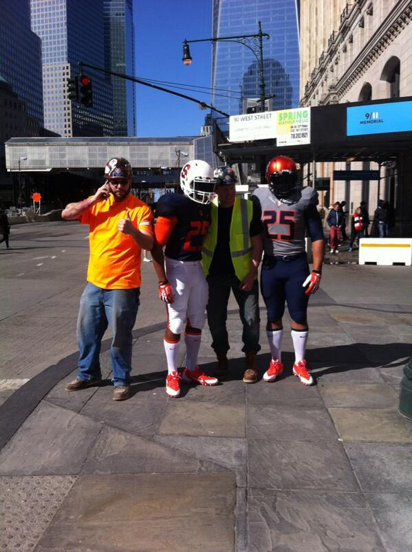 Looks like the new @Cuse football uniforms are out and about on the streets of NYC: http://t.co/WV1fvgj2ek