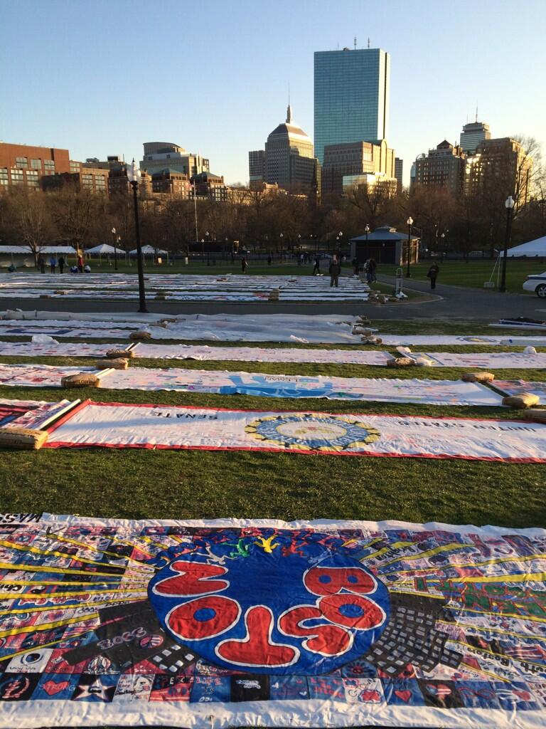 RT @BostonTweet: The #America4Boston Prayer Canvas is now on display in the Boston Common. http://t.co/9QEbOr3rCP