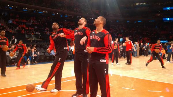 Amir Johnson getting in on the pre game rebounding routine / 'game' with Hayes and Valanciunas. #rtz #raptors #knicks http://t.co/dcUy3chc3a