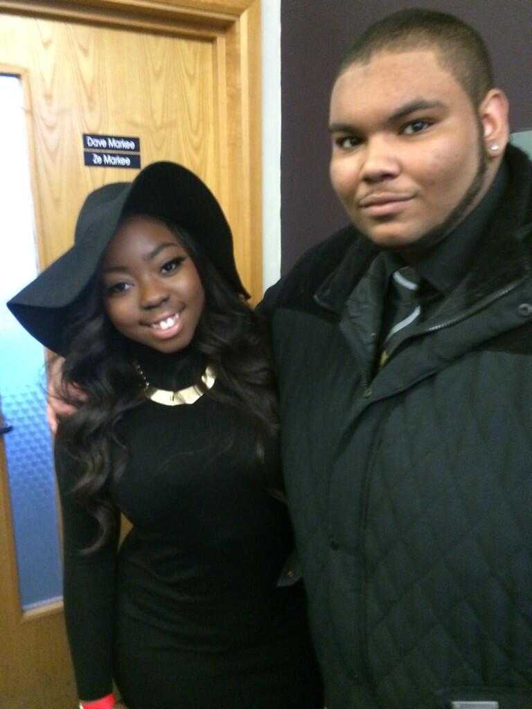 RT @Mr_Hard_Work: @HannahBMusic so nice to see my lil sister again after AGES http://t.co/ldBdfEIdnm
