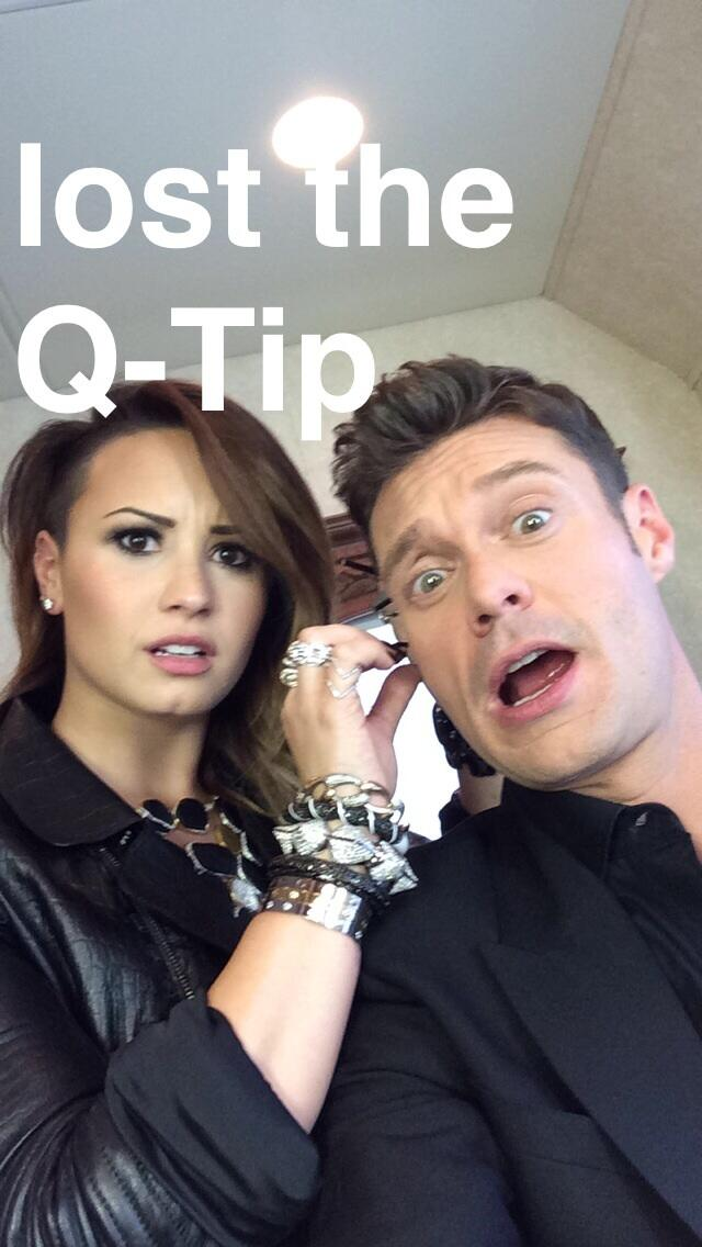 This is what happens when @ddlovato and I hang out #idollive http://t.co/NnANiSTX7H