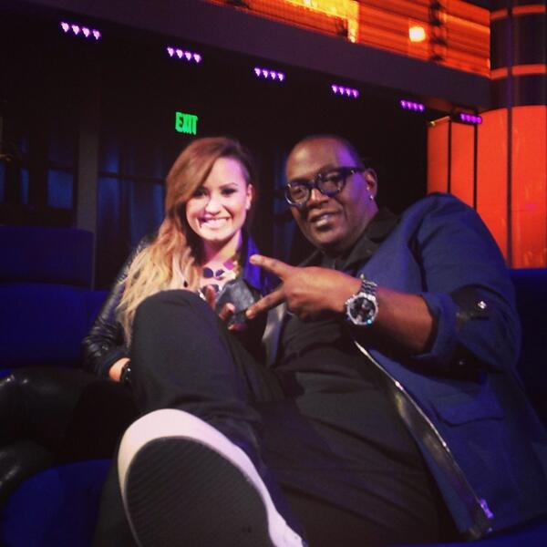 The lovely @ddlovato stopped by @AmericanIdol and joined me in the lounge #IdolLive http://t.co/pvbRAfv4aH