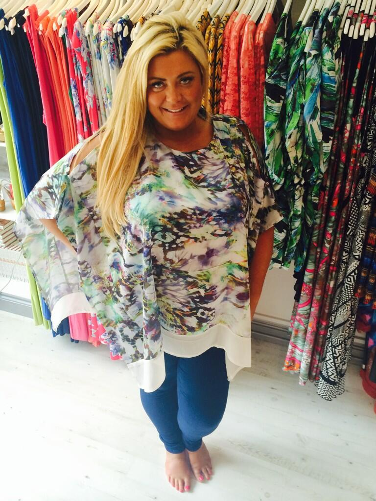 RT @gemCBoutique: Beautiful kaftan style top in store now Gemma is in taking telephone orders #marbella essex beautiful http://t.co/0l9EihI…