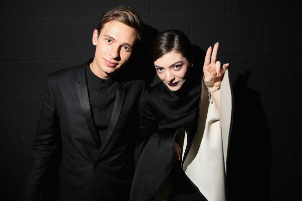 We're falling in love with @Lorde's 'Tennis Courts' all over again thanks to @Flume's remix http://t.co/P3nw7647cu http://t.co/wgQRiLRnKf
