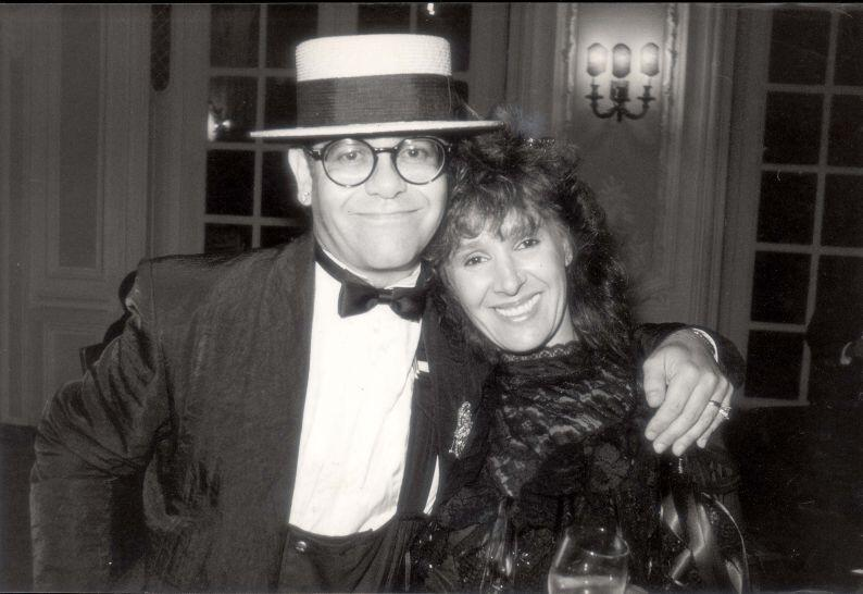 It's time for a VERY SPECIAL #ThrowbackThursday with the legend that is Sir @eltonjohndotcom http://t.co/TA627ZzaMI