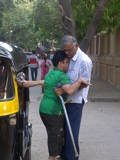 cc Mumbaikars RT @GirishRSingh Look at His Sprit, he fought with his parent and came to VOTE #Vote4India #Respect http://t.co/XTi34upr3q