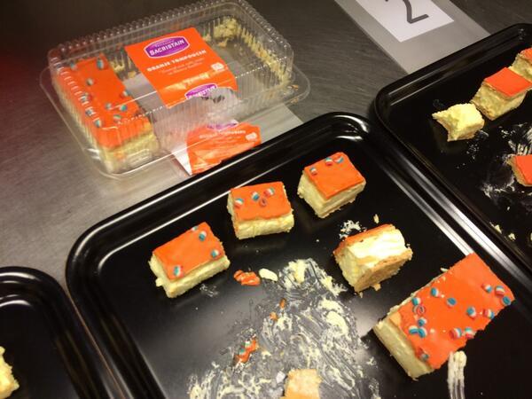 De absolute nr 1 in de #hvnl-supermarkt-oranje-tompoucen-test. DE LIDL!!! En met 4 voor 89 cent ook de goedkoopste. http://t.co/hUXXopZwGG