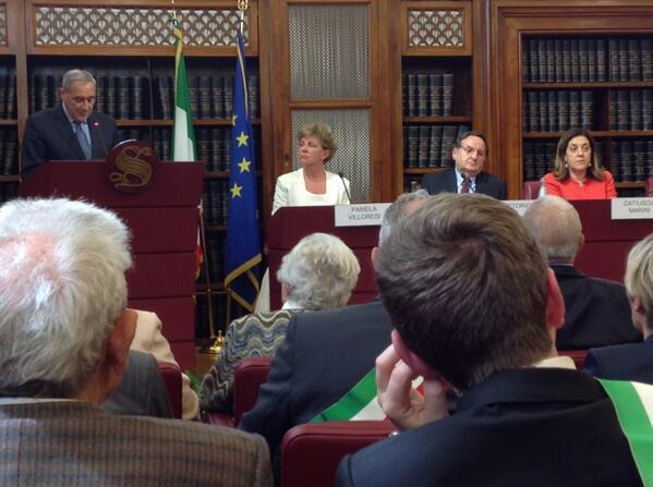 #25aprile al #Senato per ricordare le vittime delle stragi nazifasciste con il presidente Grasso @PierVittBuffa http://t.co/utZ8b2ApJ2