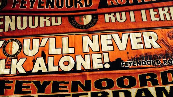 ACTIE | Wij verloten vandaag tien Feyenoord-sjaals. Retweet dit bericht en maak kans! #7jaarFR12 http://t.co/rF1TbMfE8h