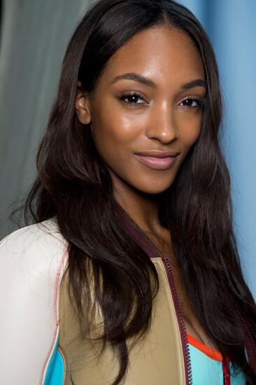 Jourdan Dunn is the newest face of @Maybelline!: http://t.co/5VafZSq3Qn http://t.co/7wKxYGbVZ6