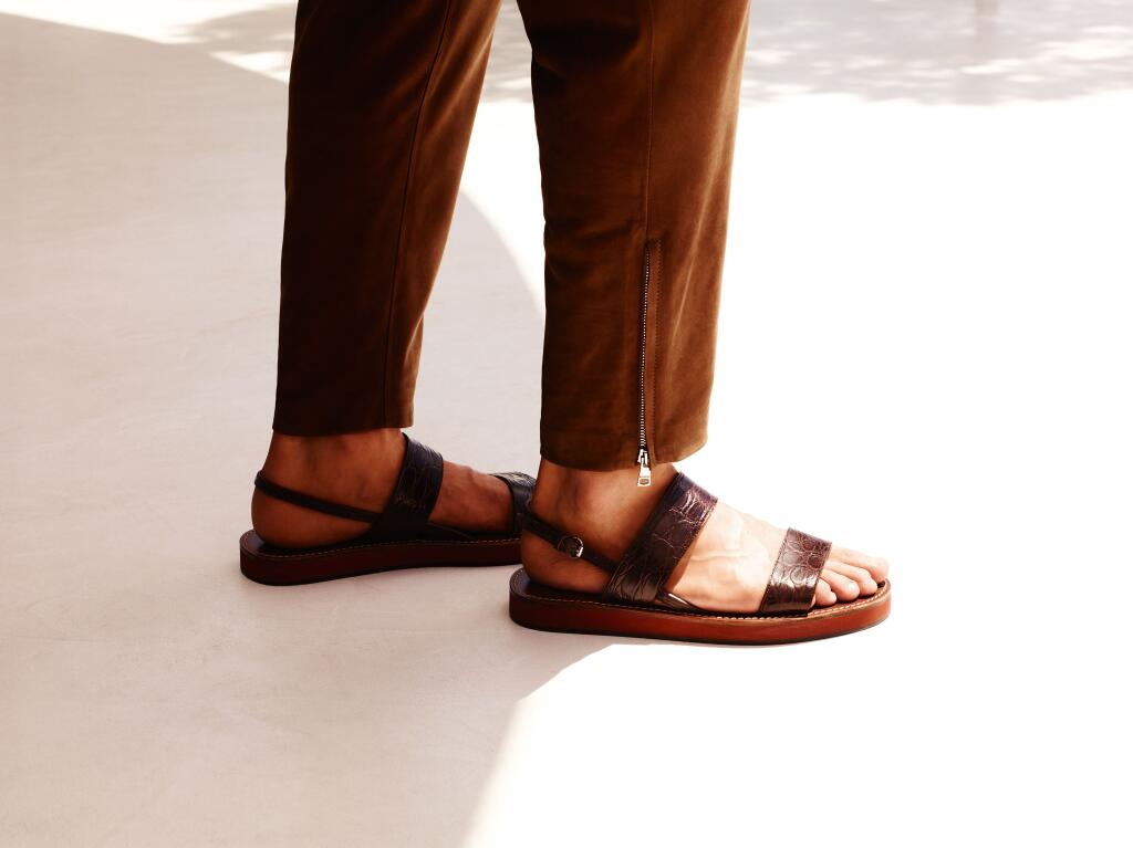 When it comes to summer footwear, make sure your feet look as good as the sandals they're in. #gucciguys http://t.co/ubbtLdlmEF