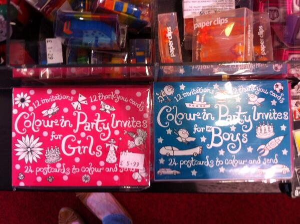 Separate invites for boys & girls. Because boys like rockets and girls like fairies. Apparently. @LetToysBeToys http://t.co/34ZGd1YqSK