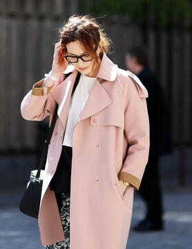 We're loving Beauty Director Sophie's (@i_love_lipstick) pink @Topshop coat #whatellewears http://t.co/LtzT29En0b http://t.co/WPfA8wSg6b
