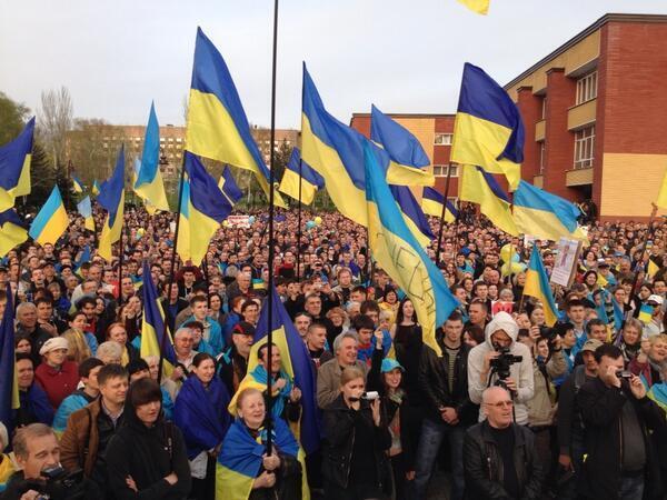 """Боевики отказались покидать горловскую милицию: """"Из центра в Славянске есть приказ удерживать здание любой ценой"""" - Цензор.НЕТ 2618"""