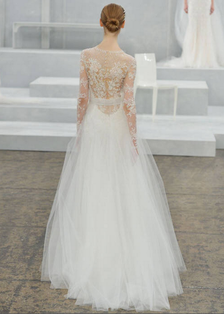 12 wedding gowns that are *even more* gorgeous from the back: http://t.co/QFcqceusOn http://t.co/EeMkwEVdgQ