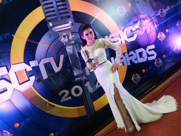 Syahrini kembali mendominasi Penyanyi Paling Ngetop �twitter/SCTV_