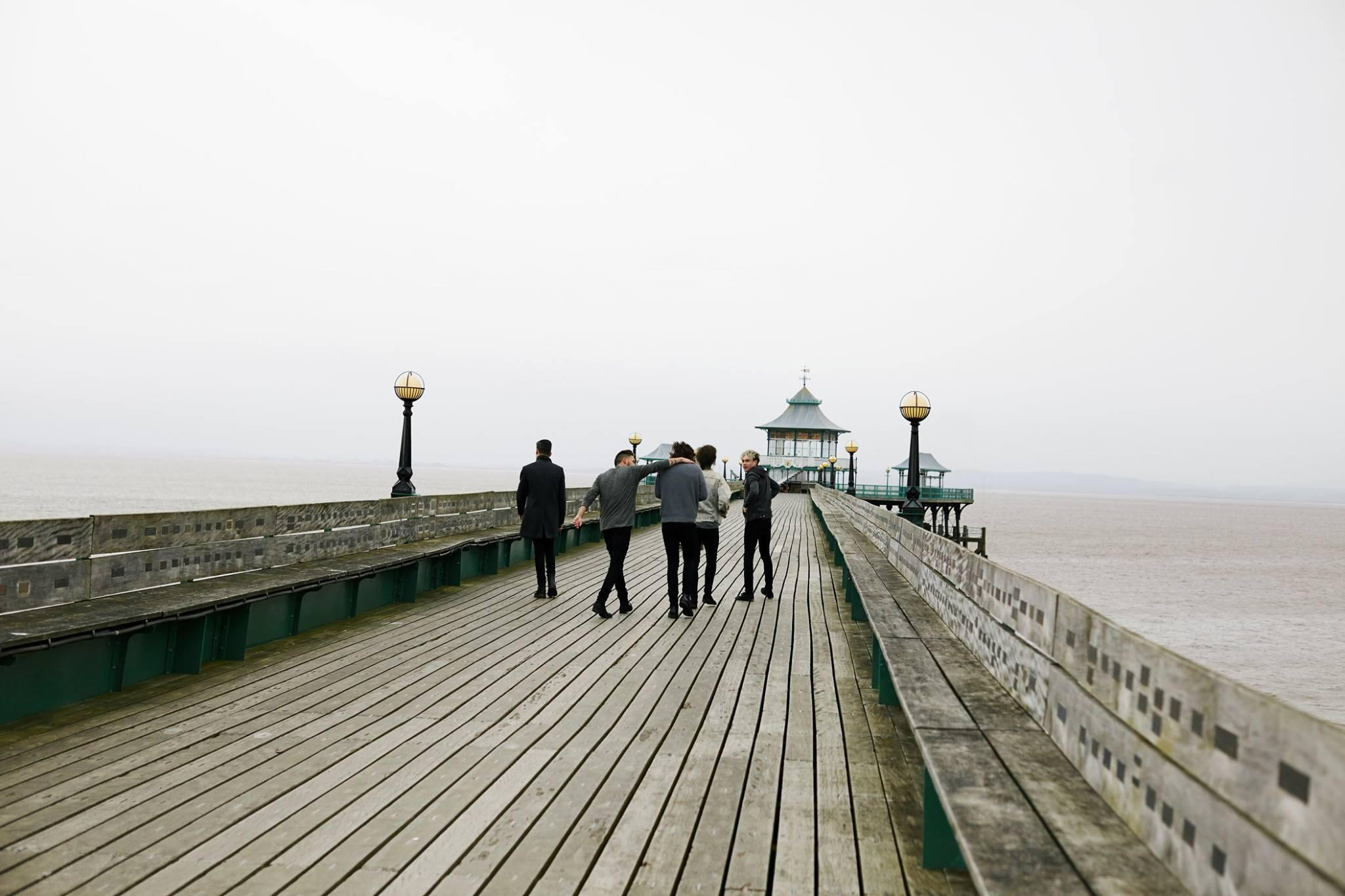 It's Friday, it's Easter weekend and @onedirection's #YouAndIVideo is out today. Good things come in threes it seems! http://t.co/fOVBNOK02E