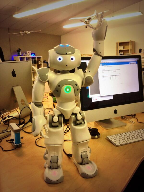 Google acquired 8 robotics companies in 2013 - they have yet to announce why. #SUExecProgram http://t.co/qFSc99IKVw