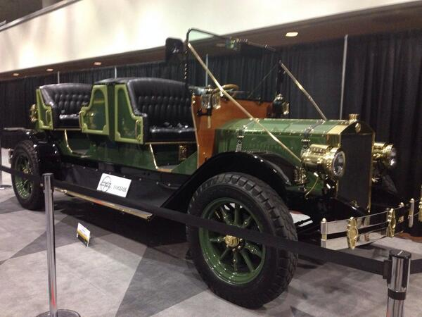 AWESOME! :) RT @NYCLASS: At the @NYAutoShow! Come check out the Horseless Carriage in @LeMayACM exhibit #NYIAS http://t.co/zywkjRvAfq PLS RT