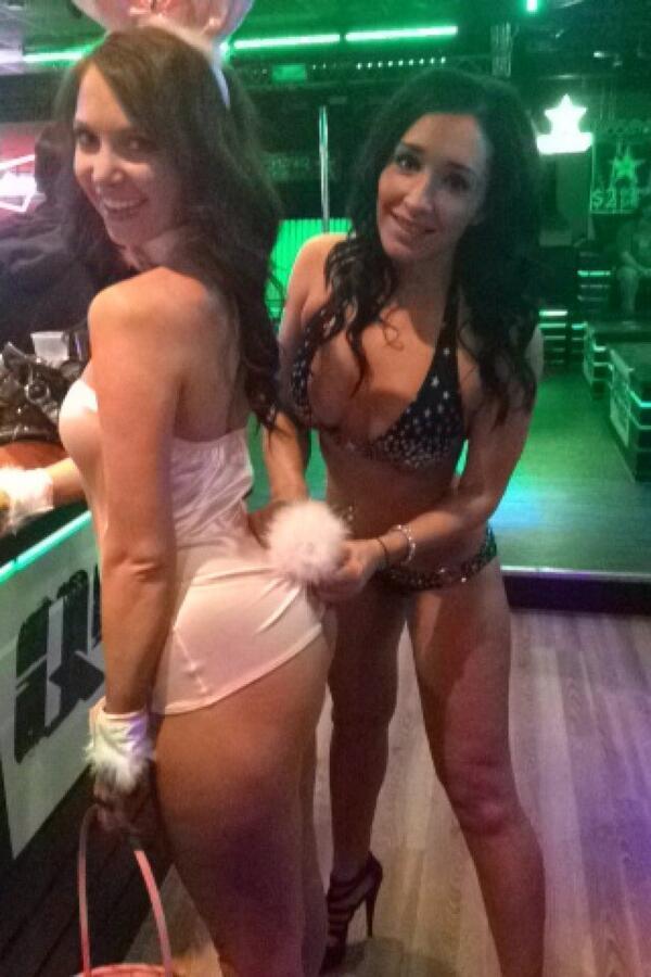 la-crosse-wi-strip-club-naughty-nude-selfie