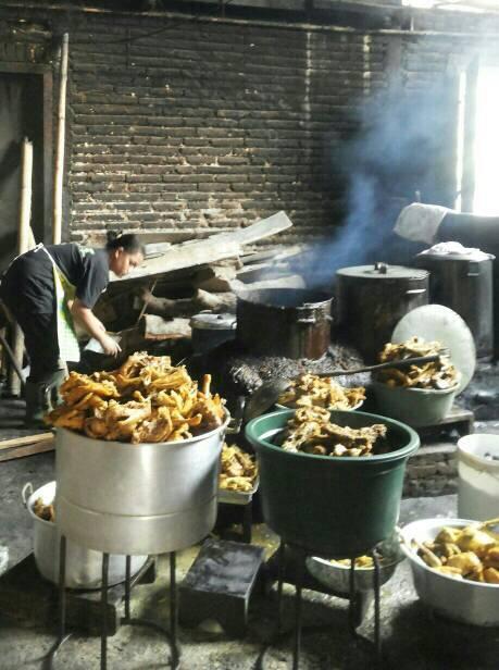 Kulinerjoss On Twitter Joss Infojogja Kuliner Dapur Ayam Goreng Mbok Cemplung Sendang Semanggi Sembungan Bangunjiwo Http T Co Xhbos5barg Via