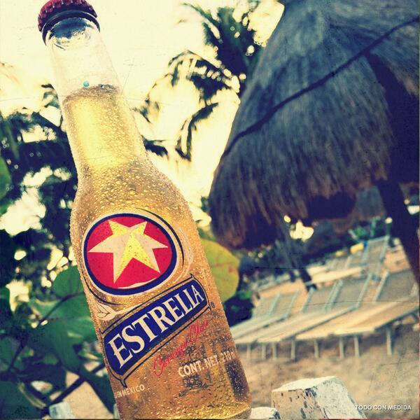 ¿Qué playa  prefieren para pasar Semana Santa? #Manzanillo o #PuertoVallarta. http://t.co/bOGayw1rNn