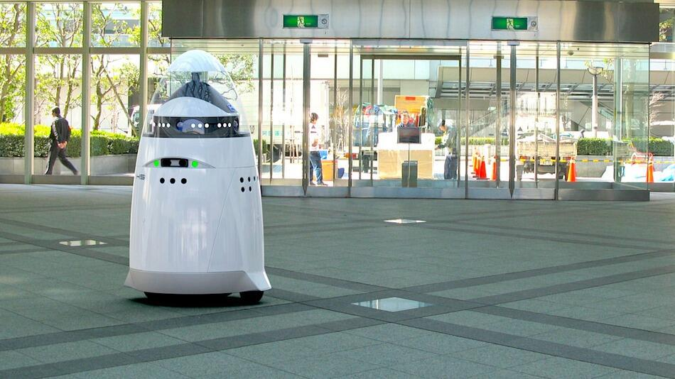 """Dead or alive, you're coming with me creep!"" -- The K5 Robot: A Roomba for Crime http://t.co/Ox1EmwBTmu http://t.co/eAeDTDDPpY"