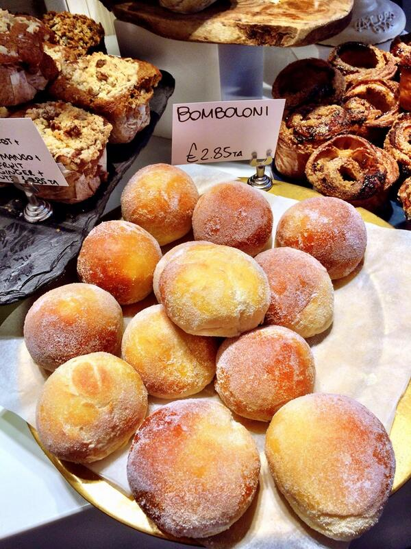 Easter special Bomboloni at Otto. Filled w lemon & mascarpone. Can't even begin to describe. http://t.co/u3DdkkkOX5